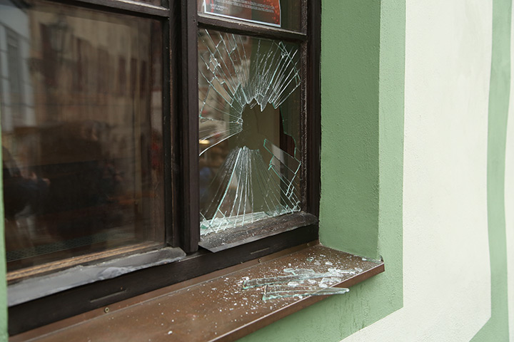 A2B Glass are able to board up broken windows while they are being repaired in Ladbroke Grove.